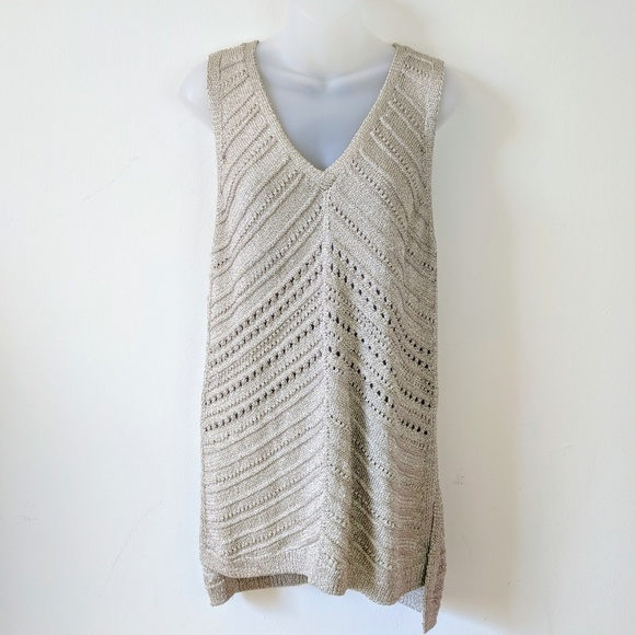 a7f6d23dae5ee6 White House Black Market Gold Shimmer knit Tunic. M 5ae67d38caab441f662c30f0